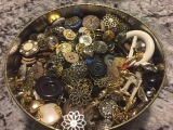 Buttons as Loose Parts: The Intersection of Play and History